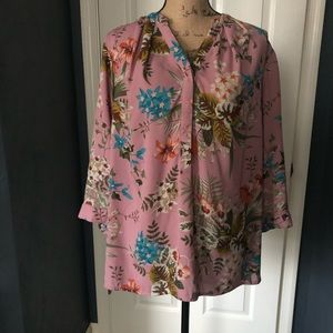 Violet & Claire Pink Floral Blouse 3/4 sleeve